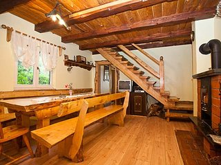 TH00053 Holiday House Denis Lic - Lic vacation rentals