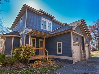 Spacious duplex that is five minutes from Wisp Resort! - McHenry vacation rentals
