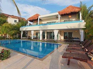 Beautiful Villa with Internet Access and Television in Playa del Carmen - Playa del Carmen vacation rentals