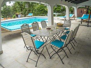 6 bedroom villa with pool, tennis court, sauna... - Umag vacation rentals