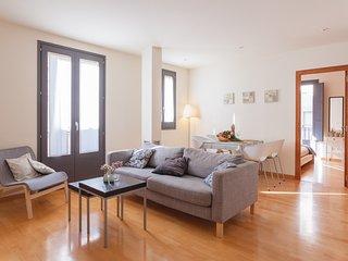 Two bedroom apartment behind the rambla - Girona vacation rentals