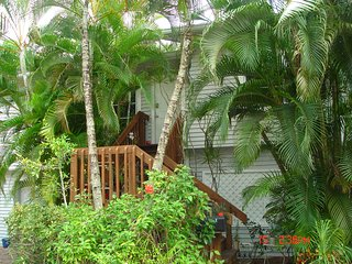 Treetops Guest Cottage on the Imperial River, a peaceful place with kayaks,bikes - Bonita Springs vacation rentals