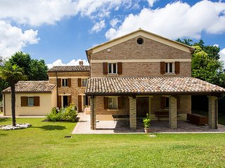 Marcheholiday Vanessa - Carignano vacation rentals