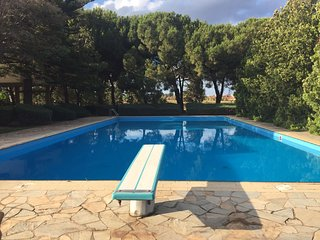 Seafront Villa with pool and tennis court - Fanusa vacation rentals