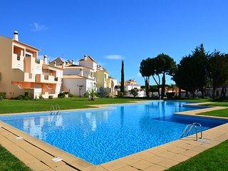 Apartamento de Luxo em em Condominio com Piscina em Albufeira, 5m da praia - Albufeira vacation rentals