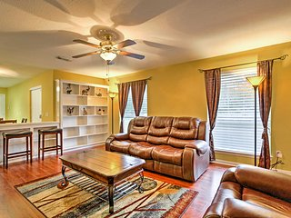 NEW! 2BR Katy House Minutes from Town Attractions! - Katy vacation rentals