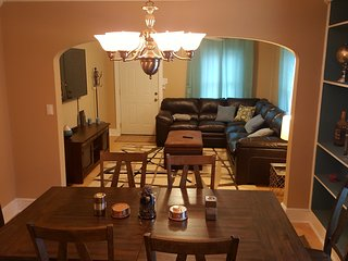 Great House 2.2 Miles from Downtown. Sleeps 10 with lots of room. - Knoxville vacation rentals