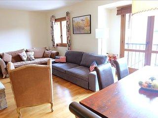 Amapola - Apartamento de 4 dormitorios y dos baños (331B) - Escarrilla vacation rentals