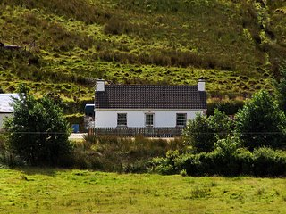 Beautiful 2 bedroom Cottage in Glenties - Glenties vacation rentals