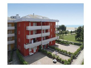 Seafront Complex - Cosy Apartment Close to Shopping Centre, Tennis, Mini golf - Bibione vacation rentals