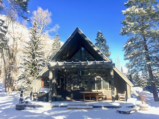 COZY MOUNTAIN CABIN SITUATED ON THE CRYSTAL RIVER! A FISHERMAN's PARADISE! - Redstone vacation rentals
