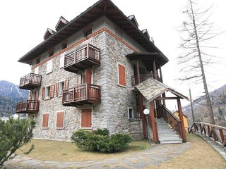Bright 5 bedroom Townhouse in Ponte Di Legno with Internet Access - Ponte Di Legno vacation rentals
