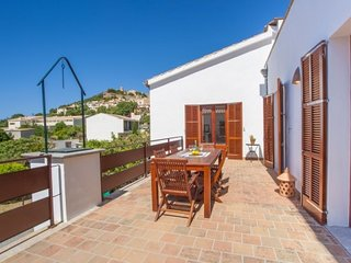 Bright 5 bedroom Capdepera House with Internet Access - Capdepera vacation rentals