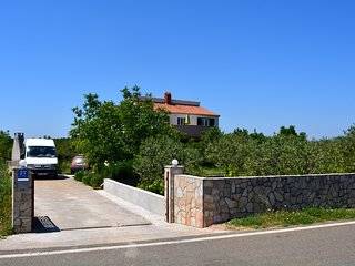 2 bedroom House with Internet Access in Gornje Selo - Gornje Selo vacation rentals