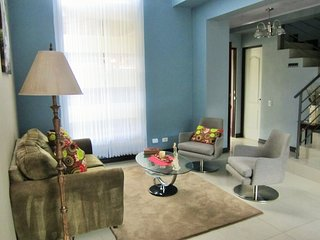 Nice Condo with Internet Access and Washing Machine - Santo Domingo de Heredia vacation rentals