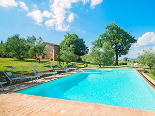Beautiful 4 bedroom Castiglione D'Orcia House with Internet Access - Castiglione D'Orcia vacation rentals