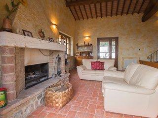 Gorgeous Casale di Pari House rental with Internet Access - Casale di Pari vacation rentals