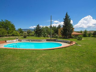 Bright House with Shared Outdoor Pool and Television - Cinigiano vacation rentals