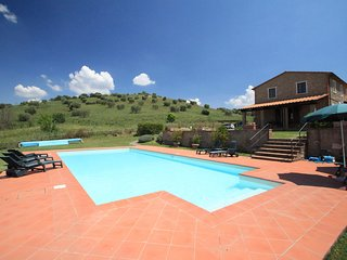 Comfortable House with Internet Access and Shared Outdoor Pool - Pomonte vacation rentals