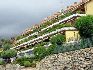 Nice Ospedaletti Condo rental with Shared Outdoor Pool - Ospedaletti vacation rentals