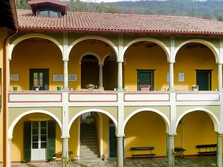 3 bedroom Condo with Internet Access in Cocquio-Trevisago - Cocquio-Trevisago vacation rentals
