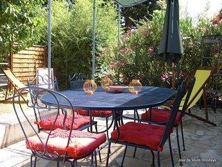 JDV Holidays - Gite St Olive, Provence - Loriol-du-Comtat vacation rentals