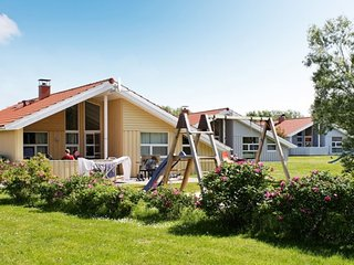Charming 4 bedroom Otterndorf House with Television - Otterndorf vacation rentals