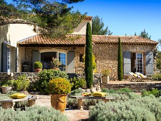 Charming Villa with Studio near Cabrieres d'Avignon - Villa Cabrieres - Cabrieres-d'Avignon vacation rentals