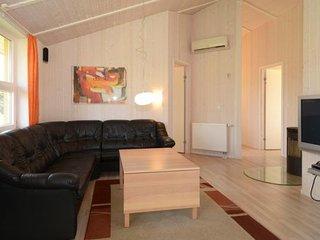 Bright 5 bedroom Gromitz House with Internet Access - Gromitz vacation rentals