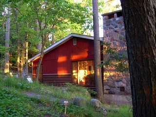 """Beausejour"" cottage rental on the Rideau Lakes - Newboro vacation rentals"