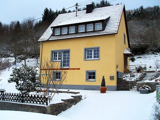 Charming Adenau vacation House with Internet Access - Adenau vacation rentals