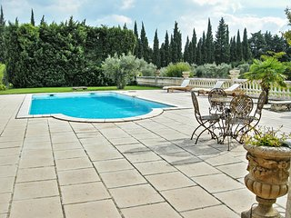 """Villa Noves"", enchanting country house in Provence with pool and stunning garden - Noves vacation rentals"