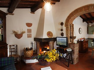 2 bedroom Apartment with Internet Access in Montaione - Montaione vacation rentals