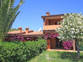 Bright 2 bedroom Costa Rei Apartment with Internet Access - Costa Rei vacation rentals