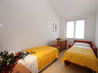 Bright 1 bedroom San Giovanni Apartment with Internet Access - San Giovanni vacation rentals