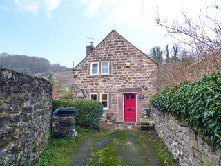 JOLLY HATTER, woodburning stove, pet-friendly, countryside views, Cromford, Ref 24741 - Cromford vacation rentals