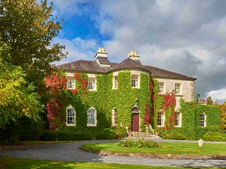 Beautiful 9 bedroom Manor house in Caherlistrane - Caherlistrane vacation rentals