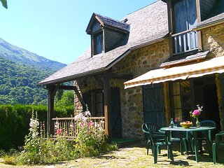 Nice House with Satellite Or Cable TV and Television - Luz-Saint-Saveur vacation rentals