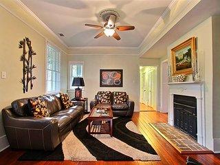 Sleeps 6, Walk Everywhere, Historic District - Savannah vacation rentals
