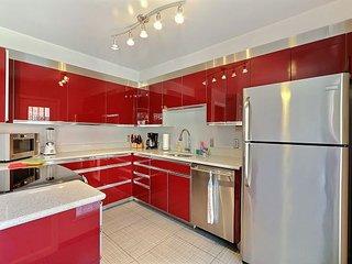 3 BR, 2.5 Bath Gorgeous Home on Jones St - Savannah vacation rentals