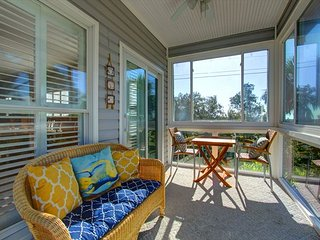 Bright 4 bedroom House in Tybee Island with Deck - Tybee Island vacation rentals