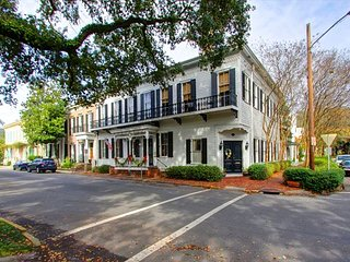 Newly remodeled home on Washington Square! Heart of the Historic District!! - Savannah vacation rentals