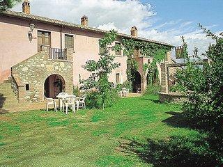 Nice 2 bedroom House in Castiglione Del Lago - Castiglione Del Lago vacation rentals