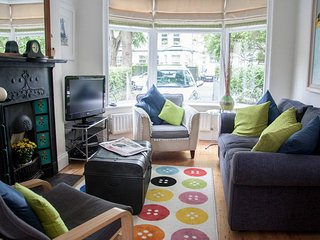 Charming 3 bedroom House in Belfast with Internet Access - Belfast vacation rentals