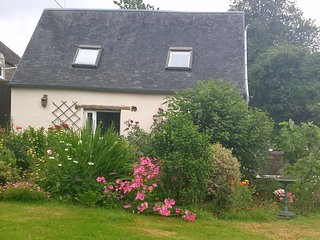 Le Petite Maison, Country Cottage - Ger vacation rentals
