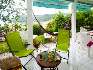 VILLA BLANCHE APPARTEMENT F3 sur jardin VUE MER - Les Anses d'Arlet vacation rentals