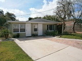 2/1 Nice Duplex Close to Venice & Nokomis Beaches - Nokomis vacation rentals