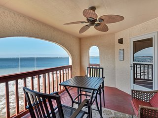 Sunset Harbor Palms 1 bedroom condo 2-310 - Navarre Beach vacation rentals