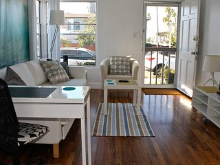 Freshly Decorated Breezy Cottage by Beach - Pacific Beach vacation rentals