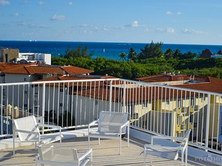 180 Degree Ocean View Penthouse , 2 Rooftop Pools - Perfect For Family! - Playa del Carmen vacation rentals